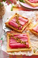 Rhubarb puff pastry tart