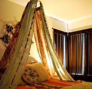 Easy DIY designs for a girls bedroom
