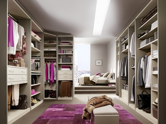 10 mindblowing walk in wardrobes for Chambre walk in