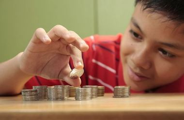 Helping kids to learn the value of money