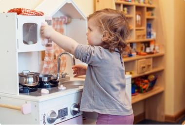Kitchen fun with your tot!