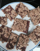 Healthy and delicious rhubarb oat bars