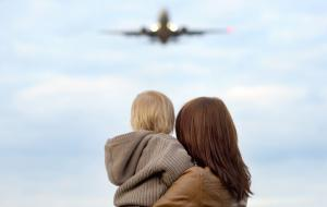 7 totally LEGIT reasons to go plane spotting with the kids