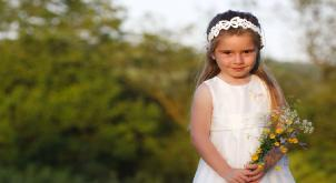 Flower girl gives her mums new husband the ultimate gift on his wedding day