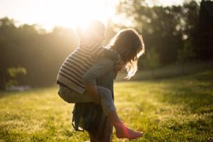 20 BEAUTIFUL baby names inspired by summertime