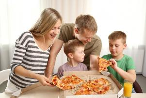 Emotional eating habits come from parents, study suggests
