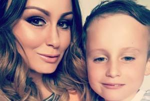 Chanelle Hayes asks for tips on getting rid of stretch marks – and gets the BEST responses