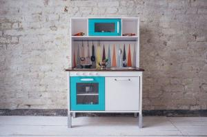 DIY alert! 8 amazing ways to pimp your kids IKEA kitchen