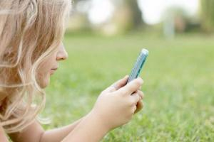 Send me your photos: Dad discovers chilling message on fun phone app