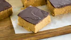 No-bake peanut butter squares