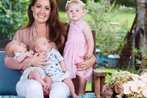 Because many women feel the need to hide: You NEED to see this mums postpartum photo
