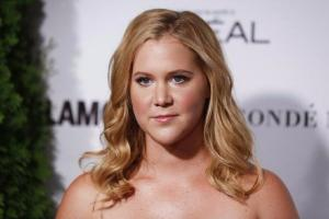 This video of Amy Schumer seeing her dad stand for the first time in years has us BAWLING