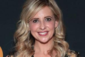 Sarah Michelle Gellar thanks doctors after her mum is hospitalised due to the flu