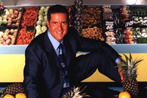 Supermarket Sweep host Dale Winton dies at age 62