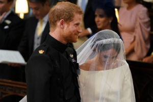 #RoyalWedding: Meghan Markle dazzles in a Givenchy wedding dress
