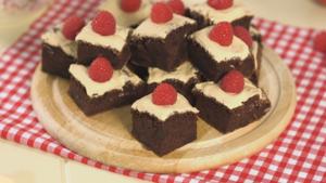 2-syn decadent chocolate cake