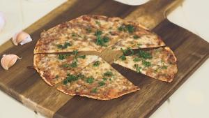 Syn-free cheesy garlic bread