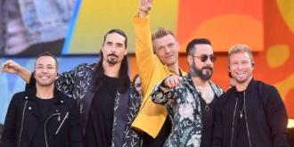 14 fans injured at Backstreet Boys concert as structure collapses
