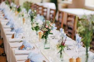 Wedding caterer cancels at last minute, so this restaurant saves the day