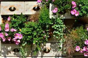 9 Brilliant Vertical Garden Solutions That Will Fit Almost Any Space