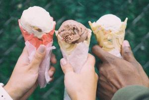 Goodness over evil: Grieving woman finds healing by giving away ice-cream